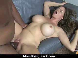 Sexy mom gets a creamy facial after getting pounded by a black dude | blackcreampiedudefacialspoundingsexy