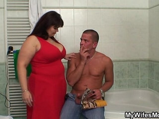 She finds him with her huge titted mom | momtitjob