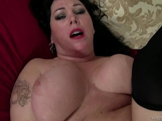 Alexis Couture Voluptuous Women With Strong Guy | gaywoman