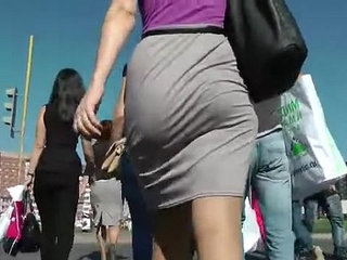 Booty Walking in the street and Shaking Ass | assbootyshakingstreet