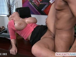 Awesome sophie dee fucking in the office | awesomeoffice