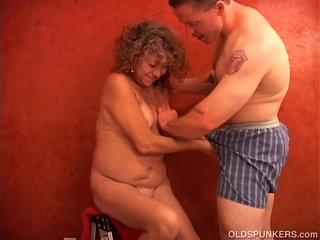 Super sexy shy old spunker plays with her juicy pussy for you   juicyoldersexyshy